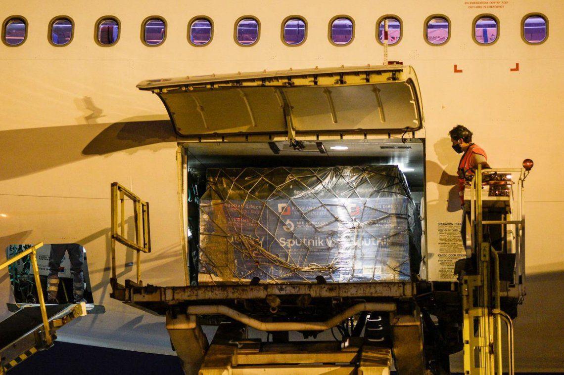 El avión fue especialmente acondicionado para transformar una aeronave de pasajeros en una full carga sin asientos.