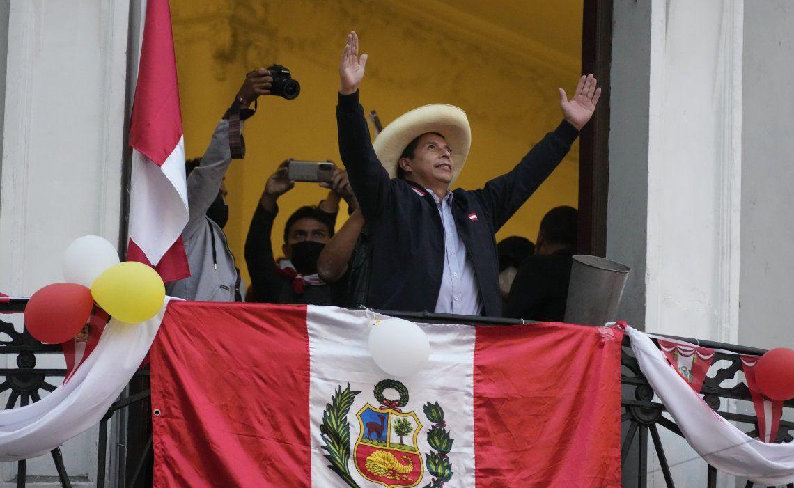 El izquierdista Pedro Castillo será el próximo presidente de Perú.
