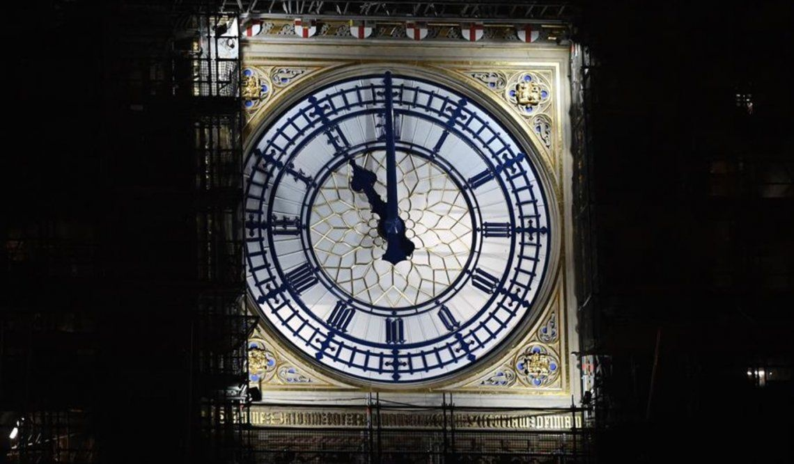 El Big Ben marcó sus campanadas a las 12