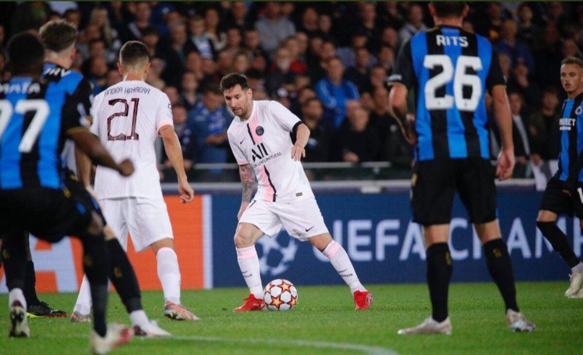 Messi debutó como titular en el PSG.