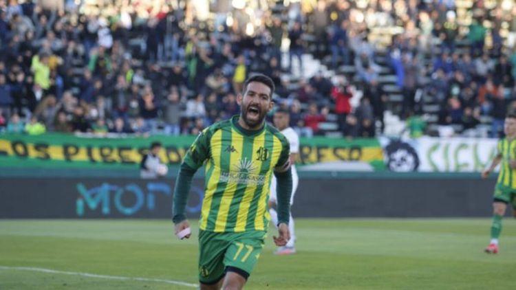 Aldosivi ganó después de ocho derrotas al hilo y complicó aún más a Independiente.