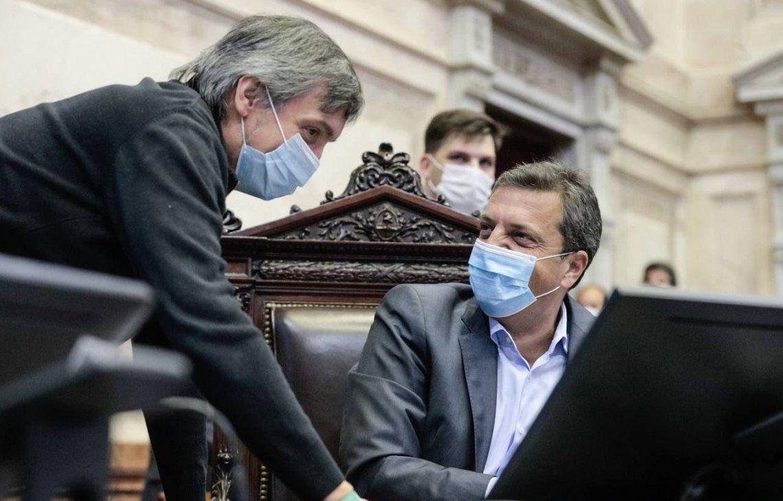 Máximo Kirchner y Sergio Massa en el comienzo de la sesión en la Cámara baja.