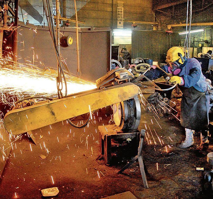 dLas pymes industriales sufren la situación económica.