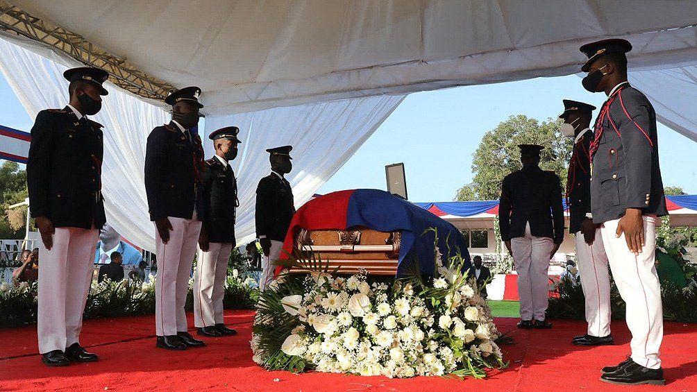 Hubo incidentes durante el funeral.