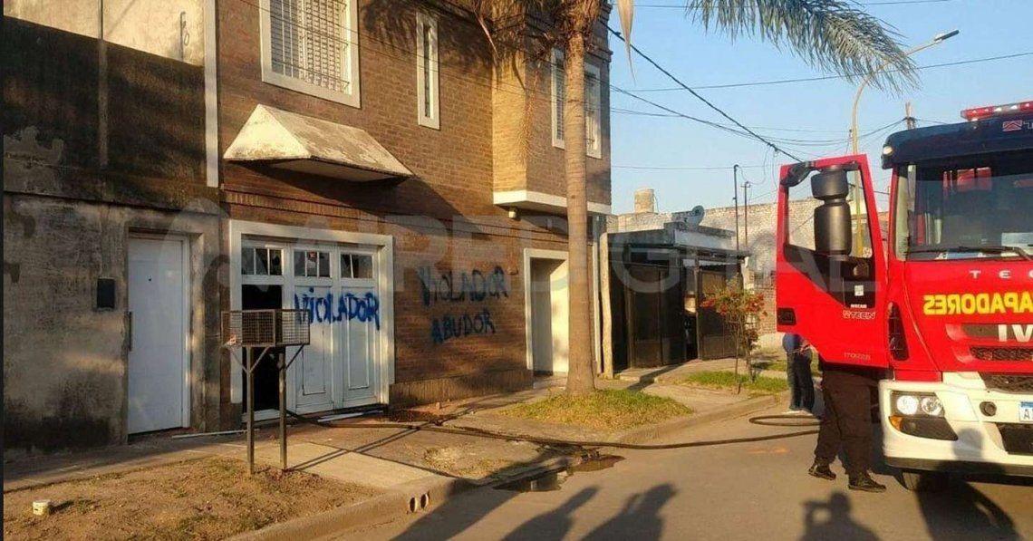 Santa Fe: atacaron la casa del docente denunciado por abuso.