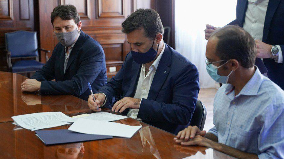Federico Basualdo (izquierda en la foto) con el secretario de Energía, Darío Martínez