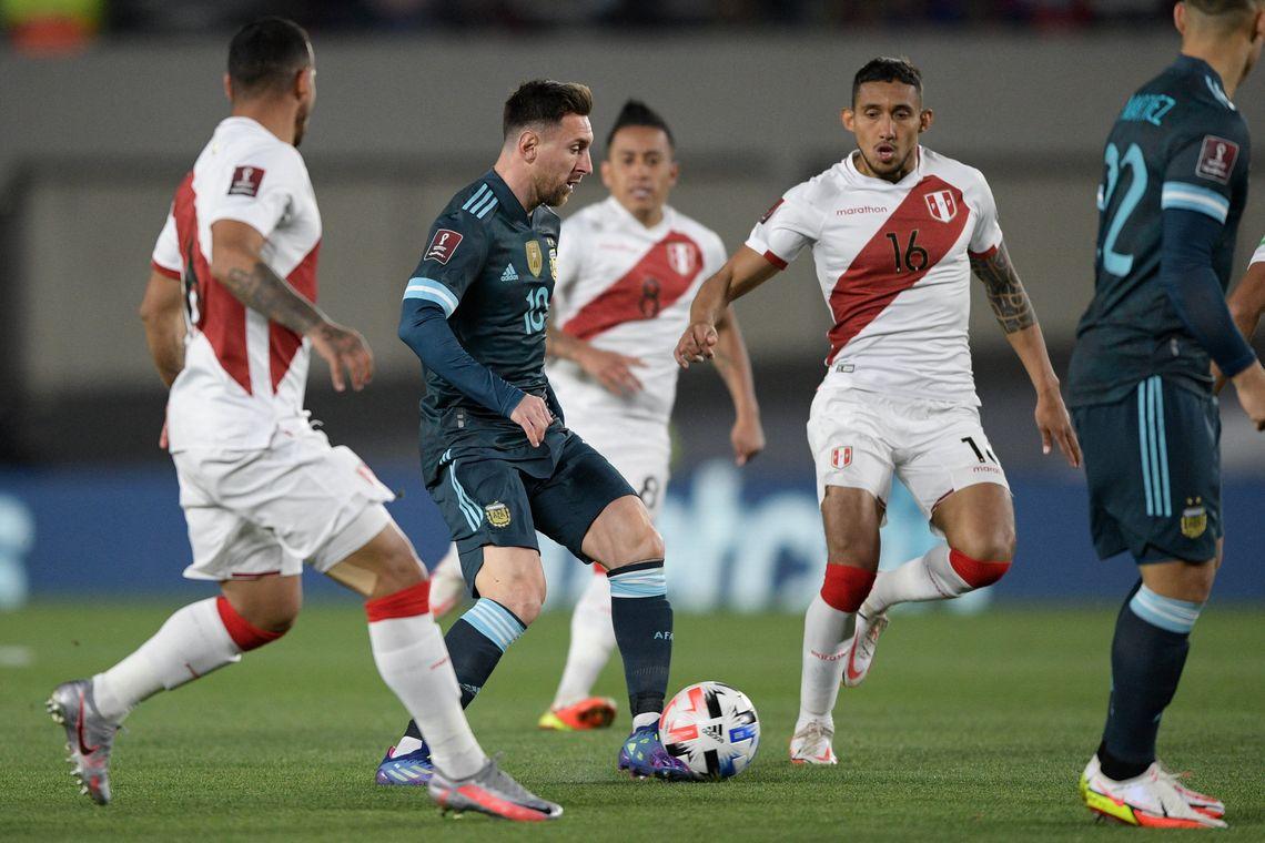 Argentina venció a Perú 1-0 y acaricia la clasificación
