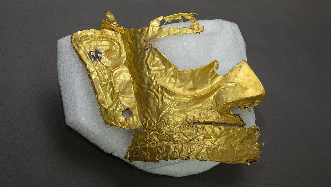 China: hallan máscara de oro.