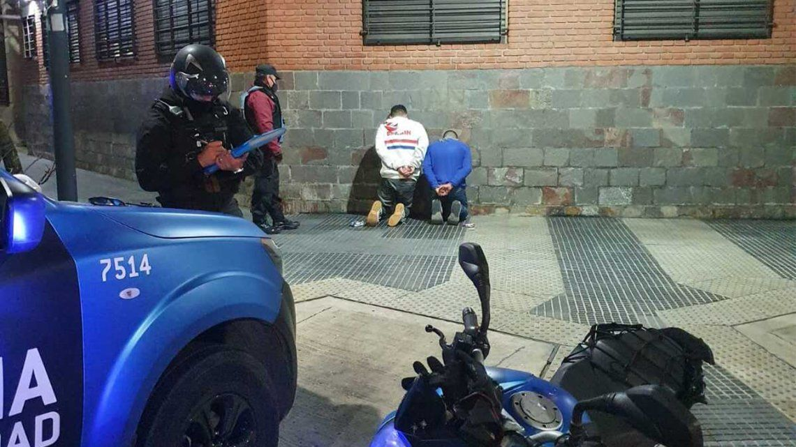 Barracas: detienen a dos ladrones con un inhibidor de señal.