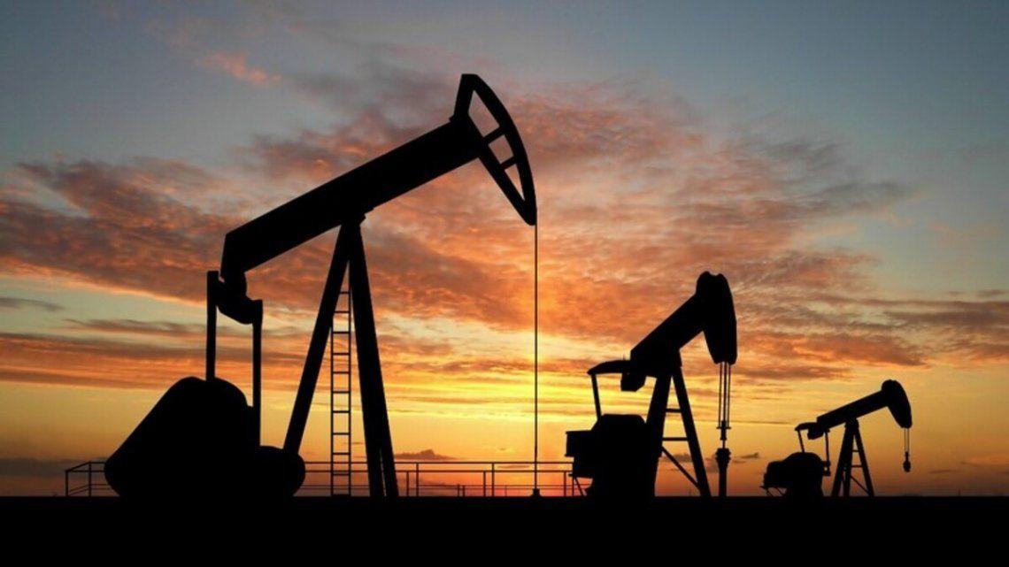 El petróleo subió 13% e incidió en la suba del 5