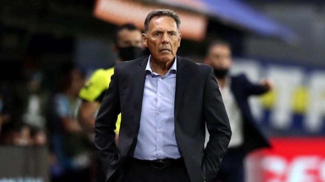 Miguel Ángel Russo y una voz de aliento para el entrenador de la Reserva de Boca