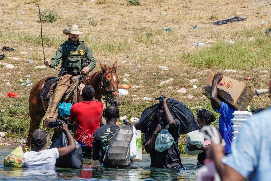 Denunció el maltrato a los migrantes haitianos.