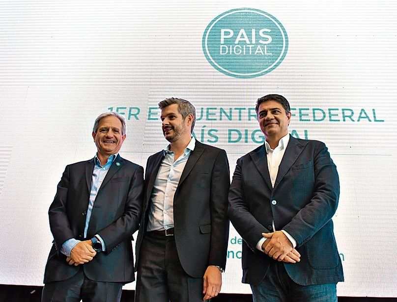 Premian a municipios por avances tecnológicos