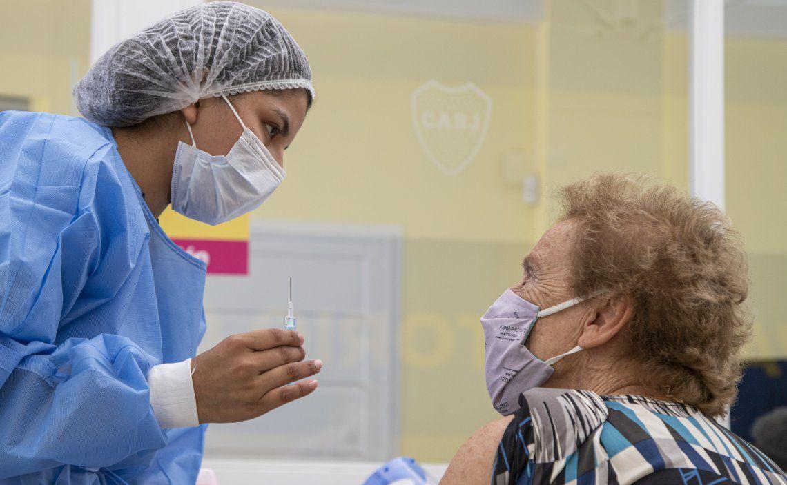 El gobernador destacó el avance de la vacunación contra el coronavirus en la Provincia de Buenos Aires.