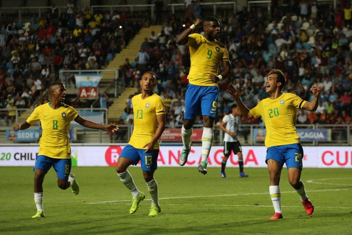 Argentina perdió por la mínima frente a Brasil y se quedó sin título