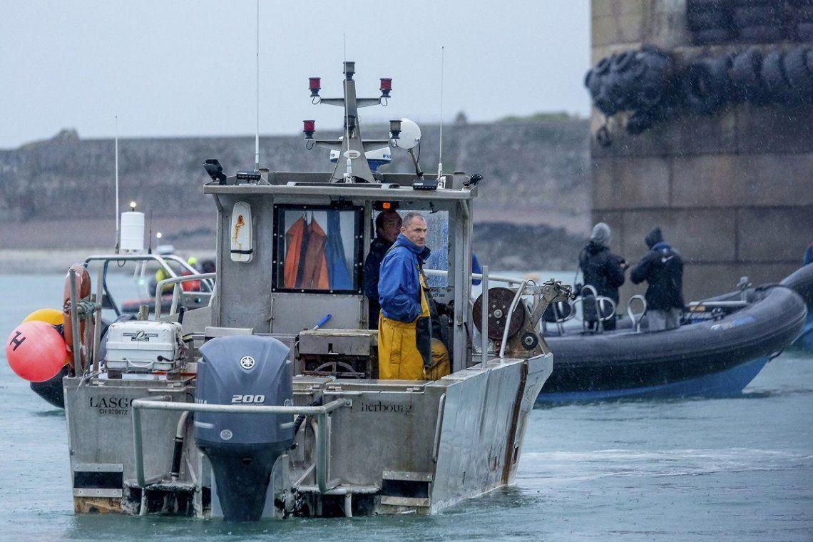 Francia y Reino Unido: tensión por los derechos de pesca.
