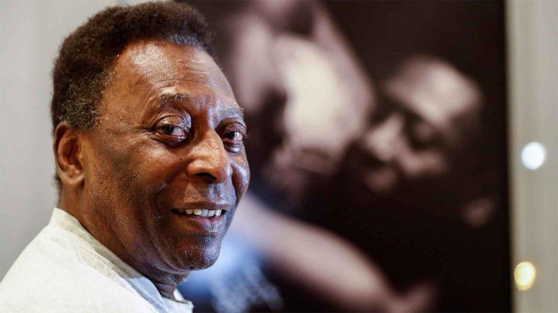 Pelé volvió a estar internado en terapia intensiva.