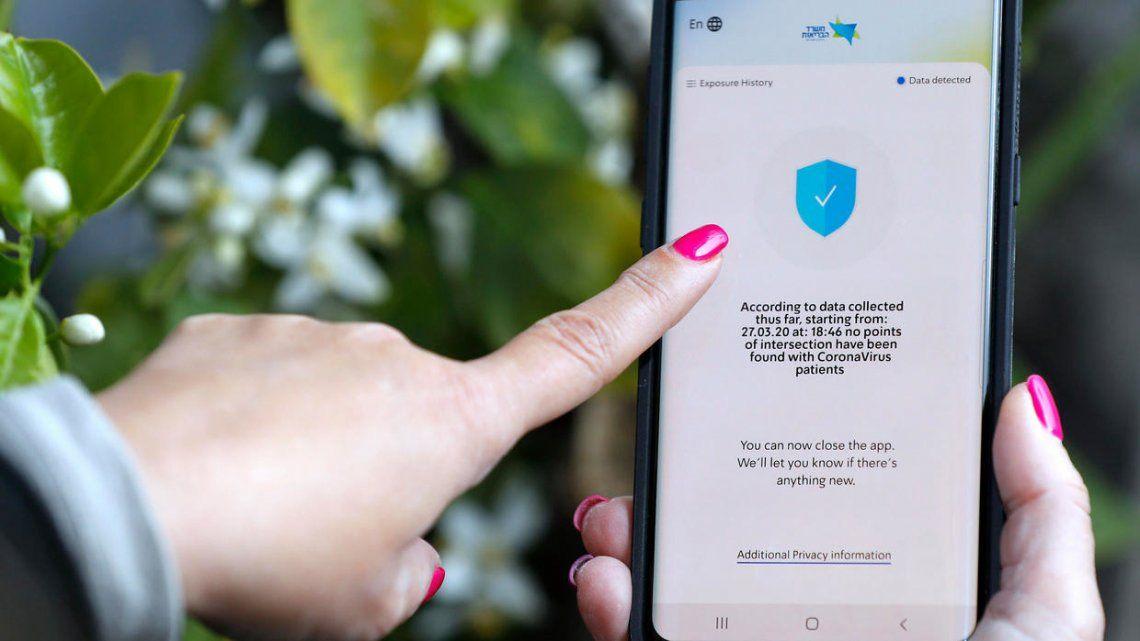 Crean apps para monitorear la propagación del coronavirus a través de celulares