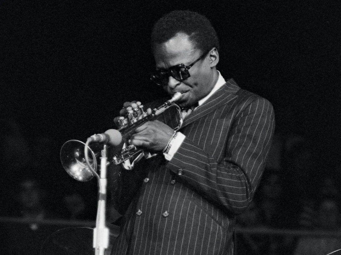 A 30 años de la muerte de Miles Davis, el hombre que propuso una revolución permanente en el jazz