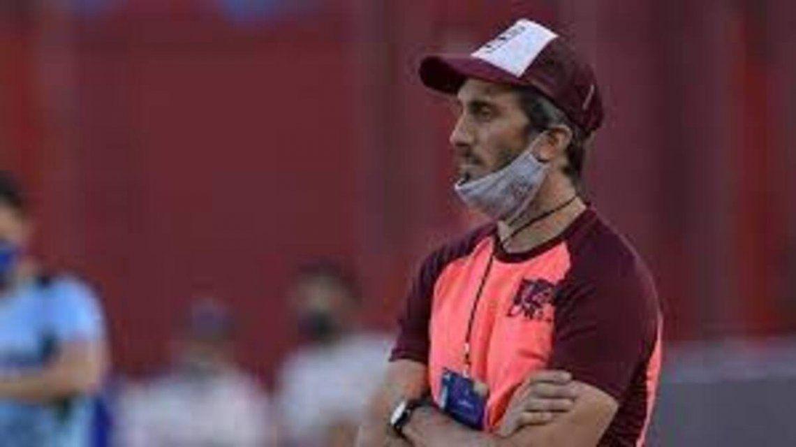 Luis Zubeldía afirmó que el arbitraje en la cancha de Independiente los condicionó.