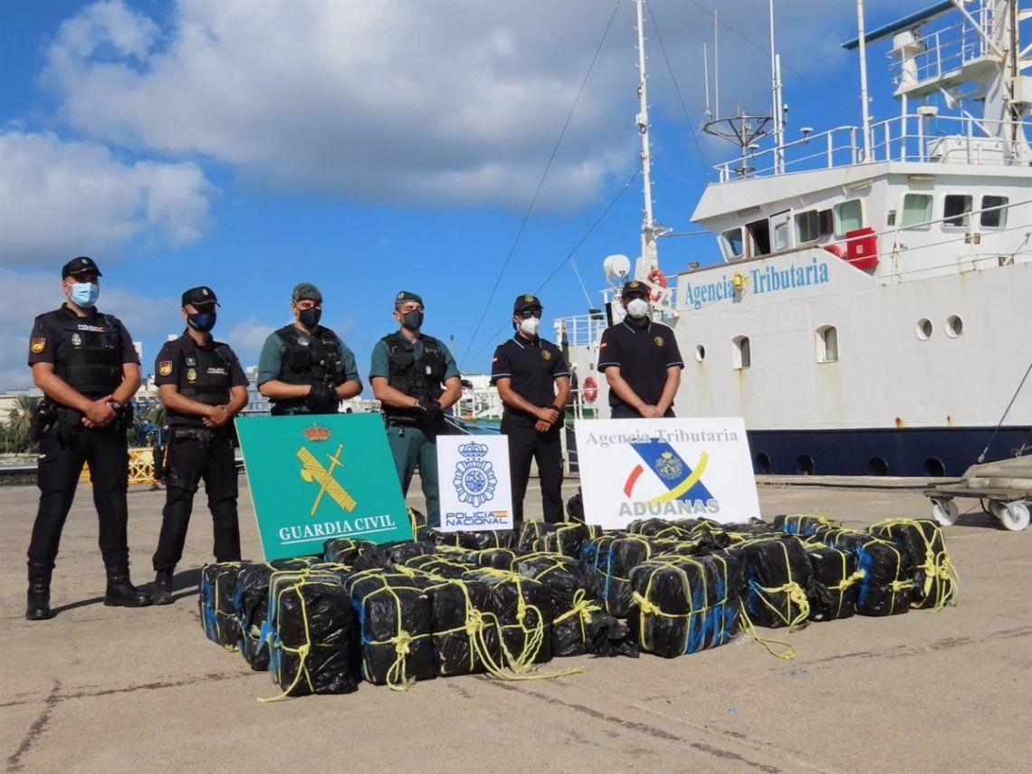 Frente a las costa de las Ilasa Canarias (España) intercerptaron un velero con 1.200 kilos de cocaína