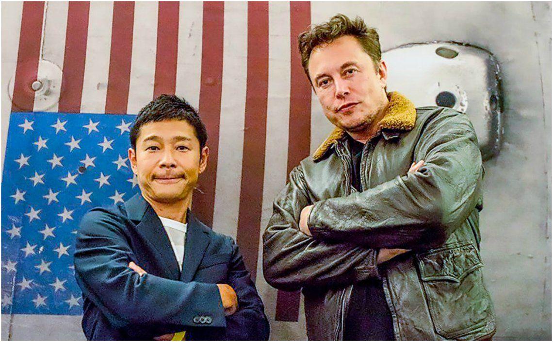 Yusaku Maezawa junto a Elon Musk.