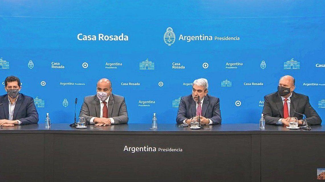 """Manzur también afirmó que la instrucción del presidente Alberto Fernández es redoblar esfuerzos para reforzar la seguridad en Santa Fe""""."""