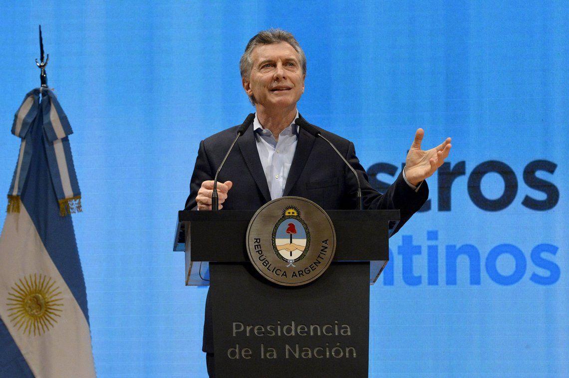 Macri anunció el congelamiento de tarifas de Internet para beneficiar a Pymes y felicitó al seleccionado argentino de básquet