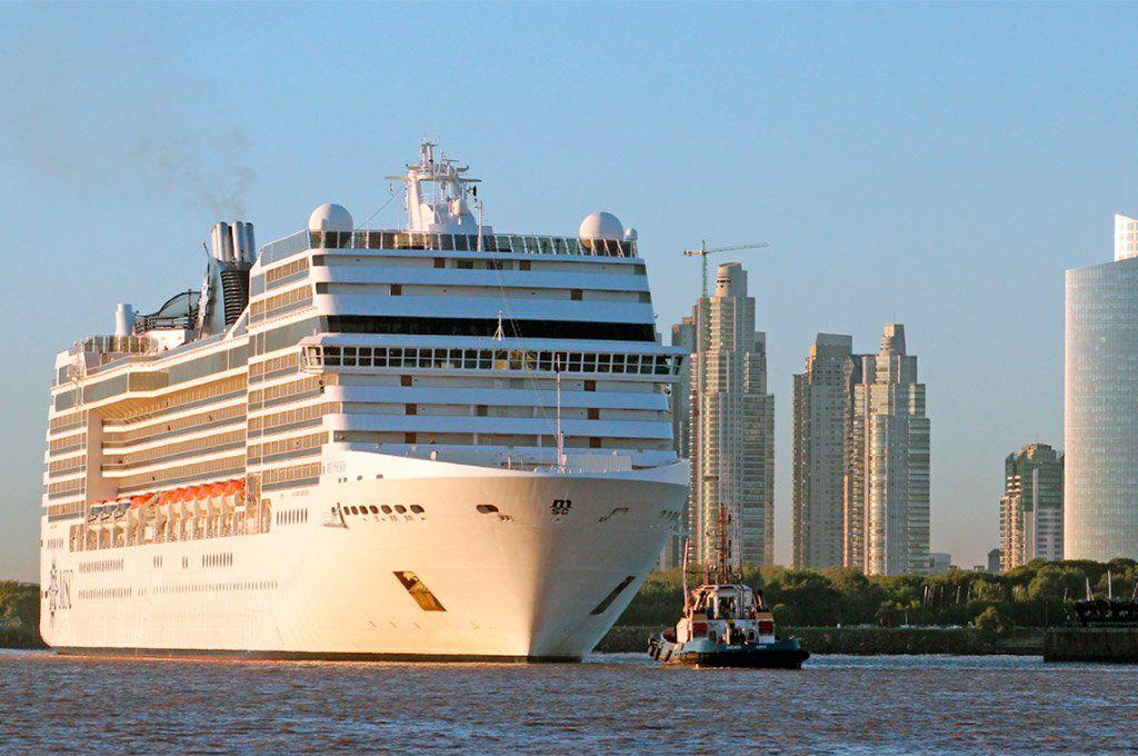 Los cruceros volverán a llegar al puerto de Buenos Aires con turistas extranjeros y a partir con argentinos. Archivo.