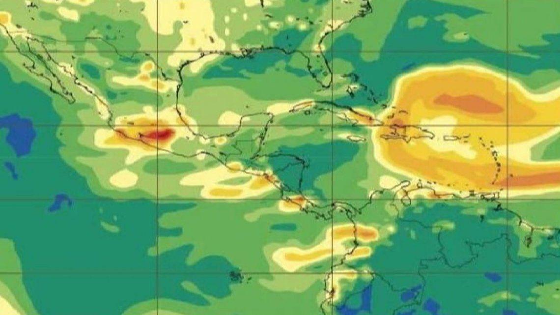 Una foto satelital de la región del Caribe muestra la combinación de polvo del desierto y dióxido de azufre sobre todo la zona.