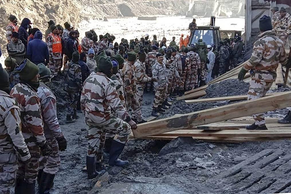 India: rotura de un glaciar en el Himalaya.