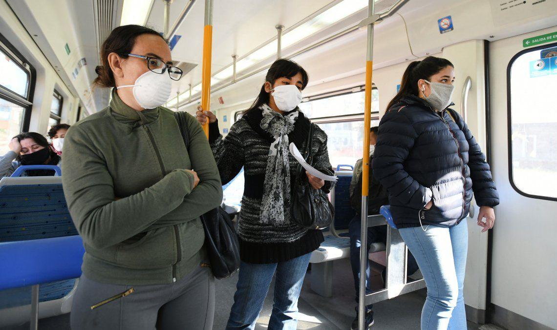 Transporte público: se amplía la capacidad permitida en colectivos y trenes