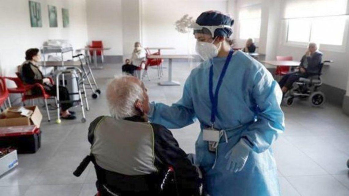 Hoy se vacunará a 1.000 residentes de geriátricos.