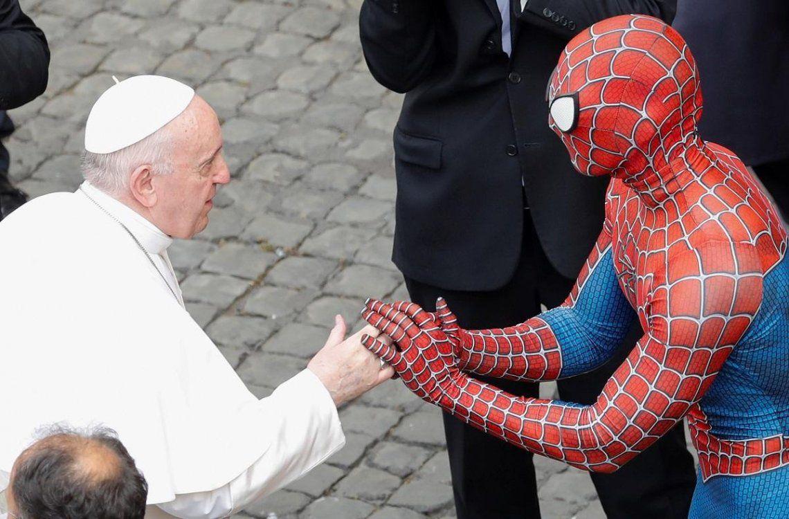 El Hombre Araña se reunió con el Papa Francisco