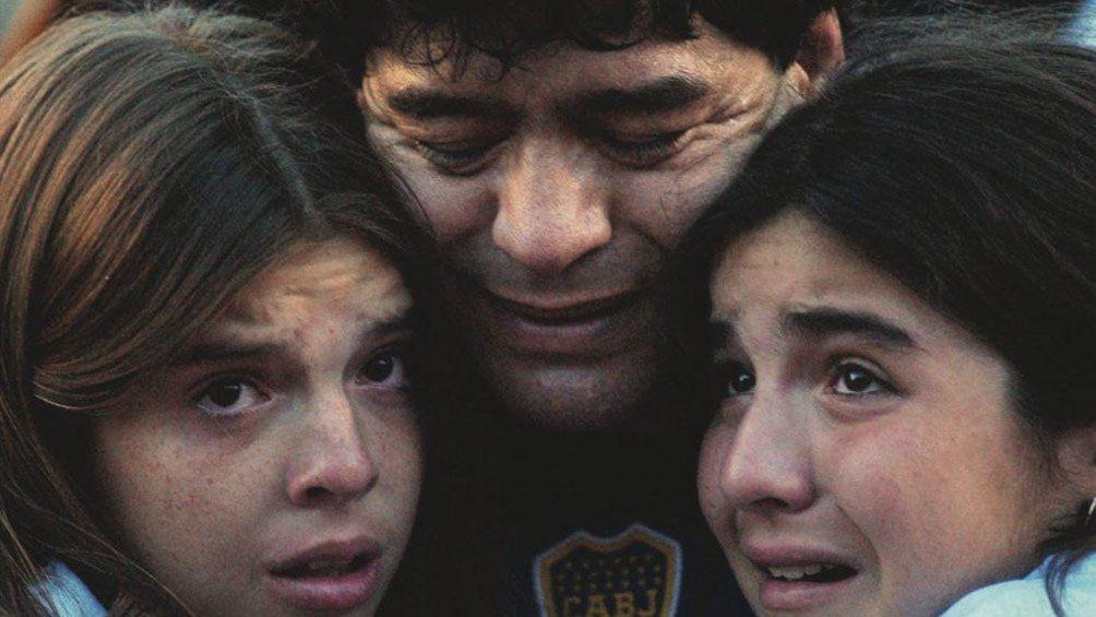 Diego y sus hijas.