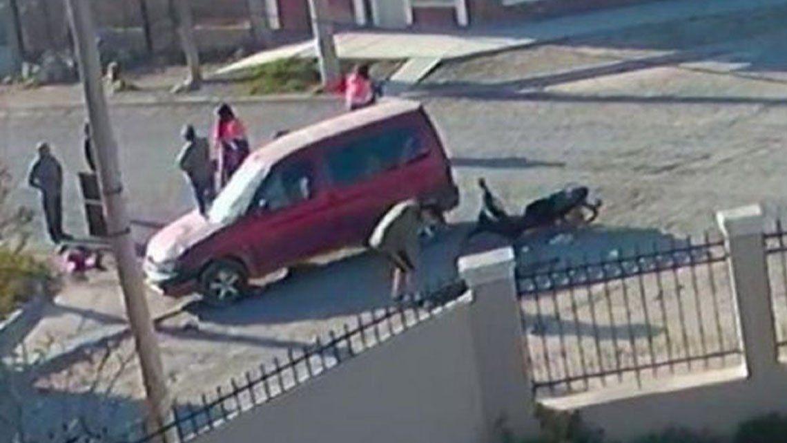 Chubut: una joven fue atropellada y su vecino le robo.