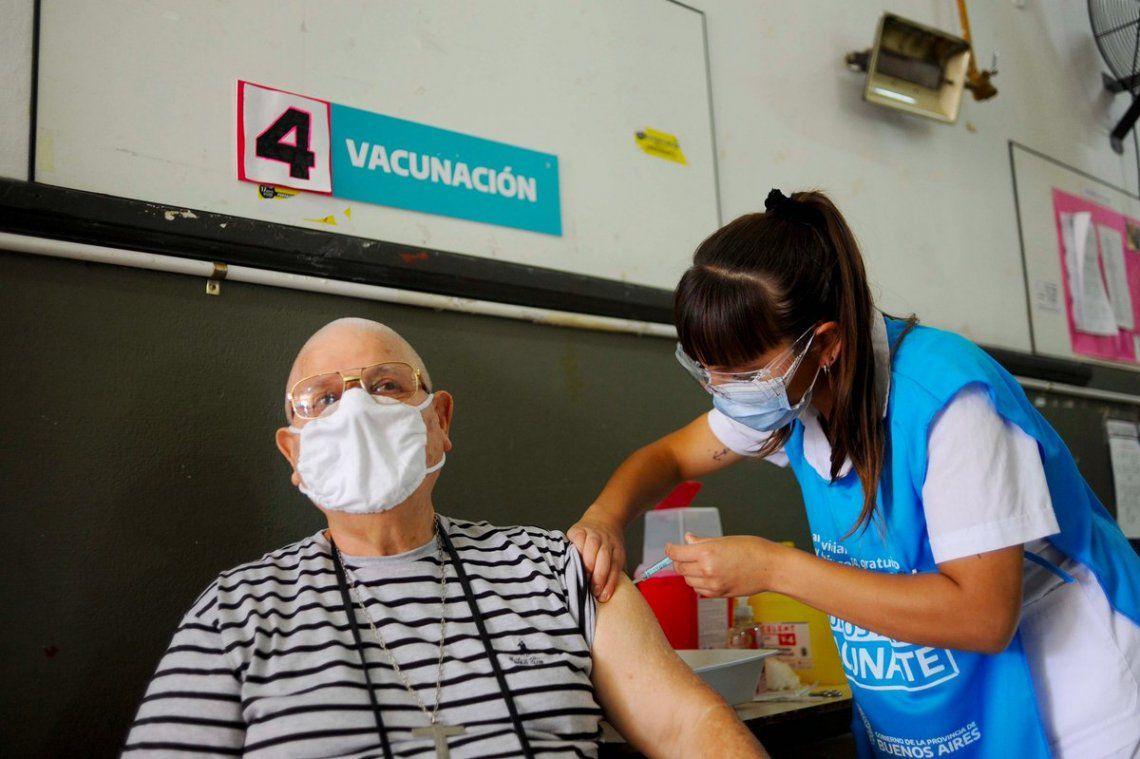 Coronavirus en Argentina: la disposición a vacunarse subió al 70%
