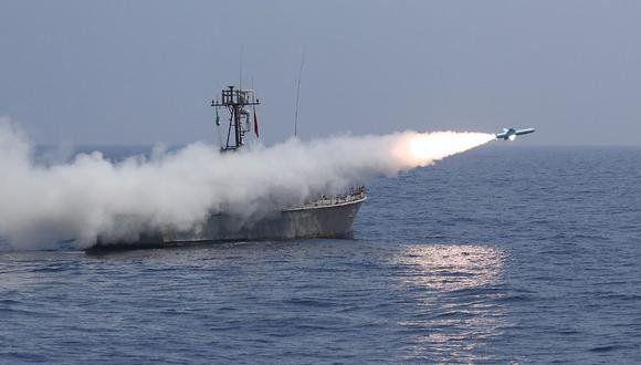 Irán disparó un misil contra un navío de Israel.