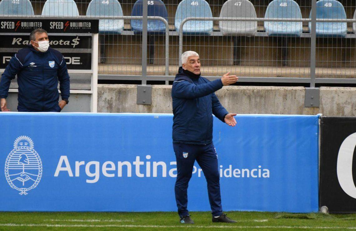 Omar De Felippe renunció como técnico de Atlético Tucumán
