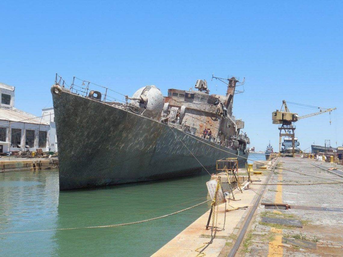 Prohíben la venta como chatarra de un buque que participó del desembarco en Malvinas