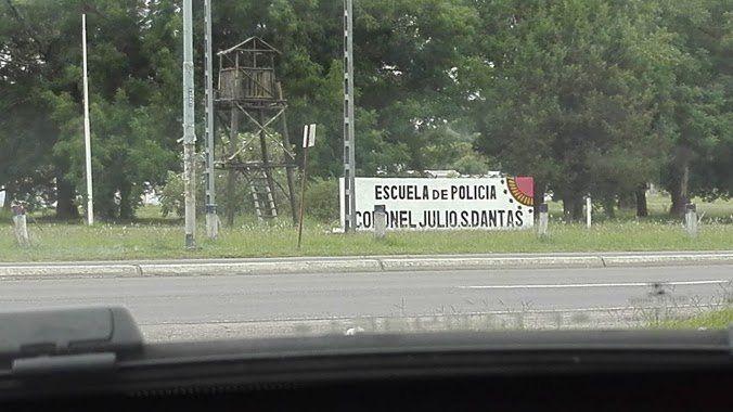 El comisario trabajaba en la escuela Julio Dantas.