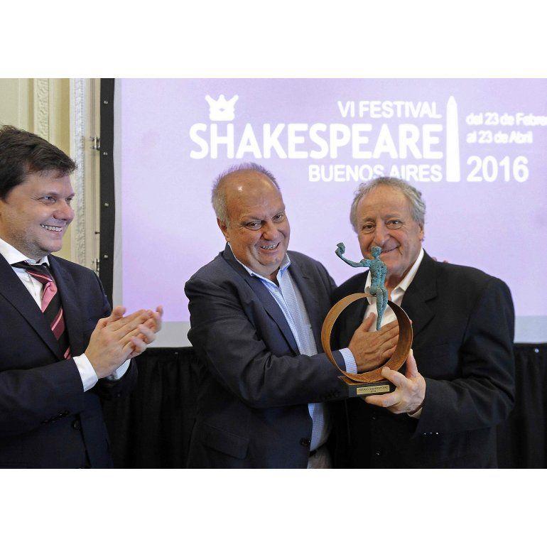 Premio Shakespeare al genial Roberto Carnaghi