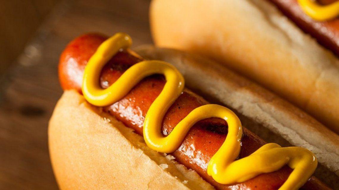 Científicos dicen que comer un pancho puede restar 36 minutos de vida