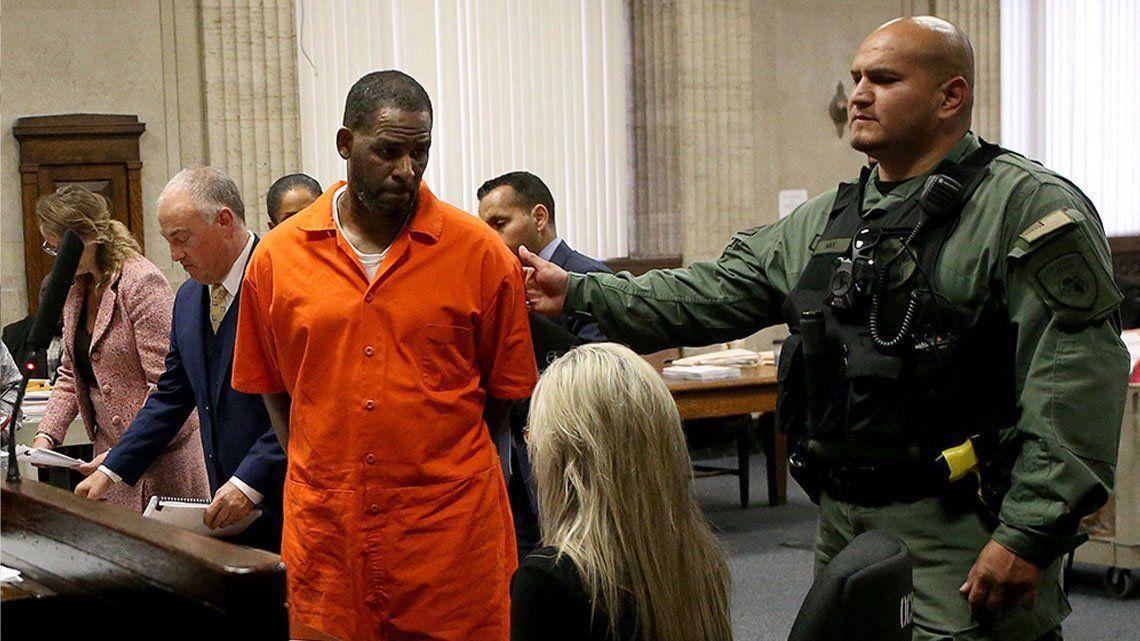 El cantante R. Kelly fue declarado culpable de abusos sexuales a menores.