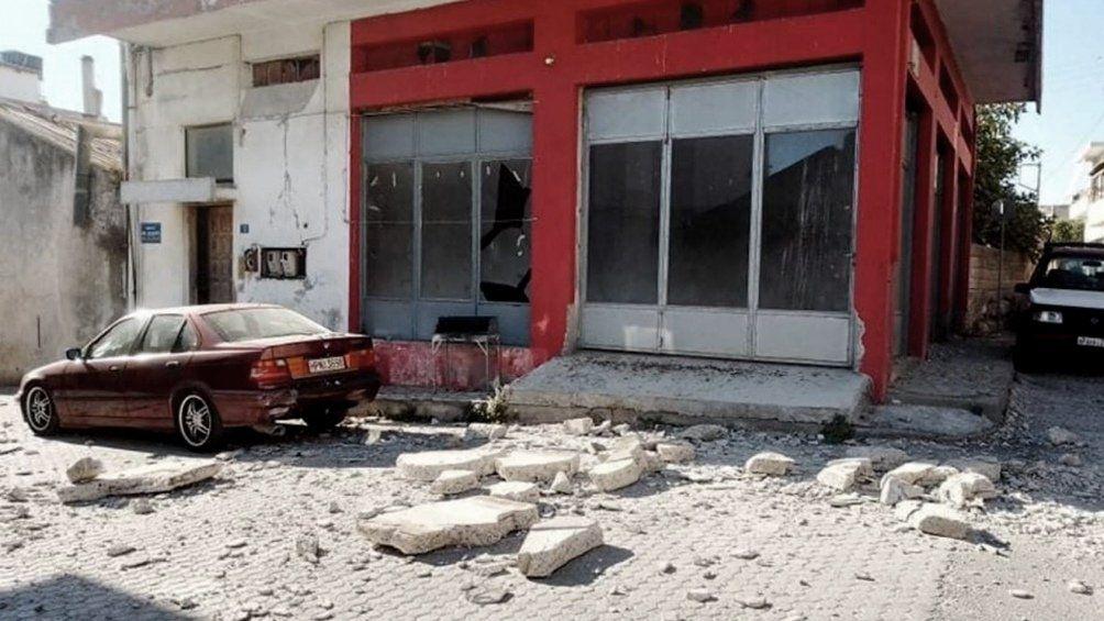 Grecia: un muerto y nueve heridos por un sismo en Creta