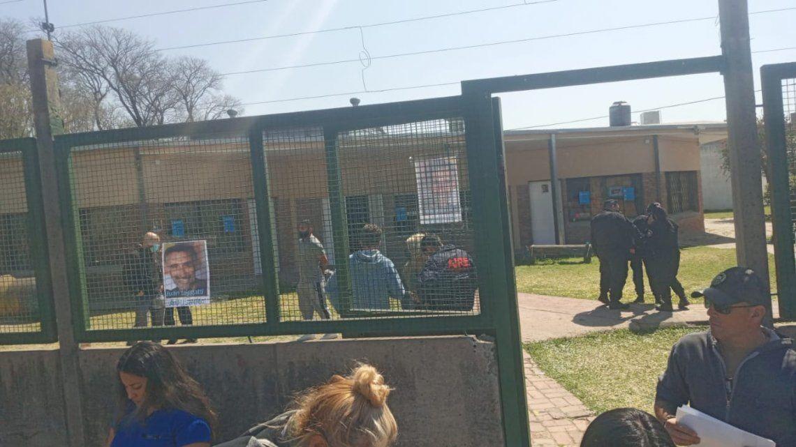 El docente fue detenido por la Policía.