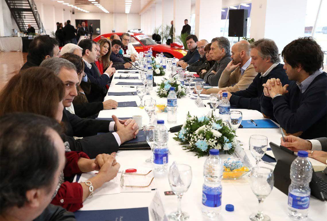 Macri se reunió con Zamora, pero atento con el rescate