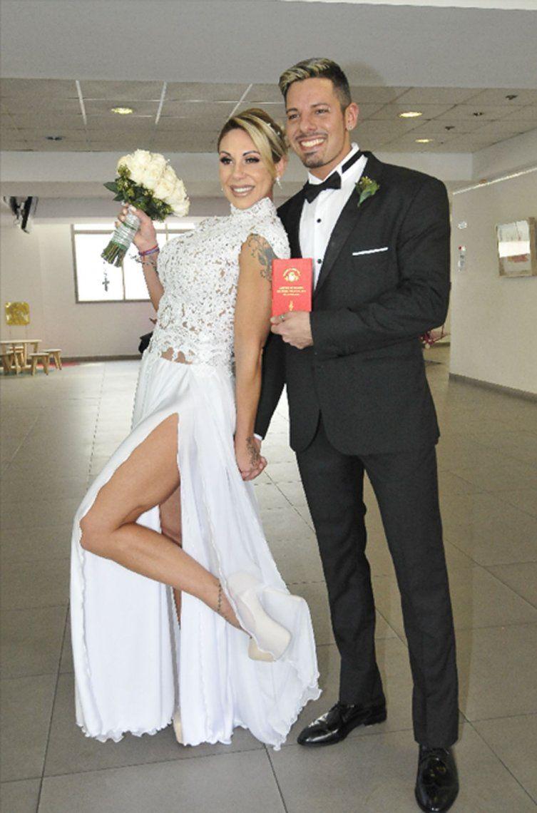 A menos de un año de su boda, Mónica Farro está al borde del divorcio